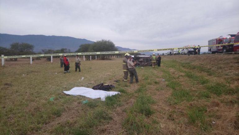 En volcadura fallecen 4 policías de seguridad privada en Zacoalco de Torres