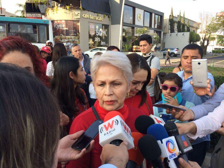 Familiares de Alexandra Castellanos piden justicia al gobernador