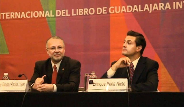 Es 'noticia falsa' que yo lea poco: EPN al recordar la FIL