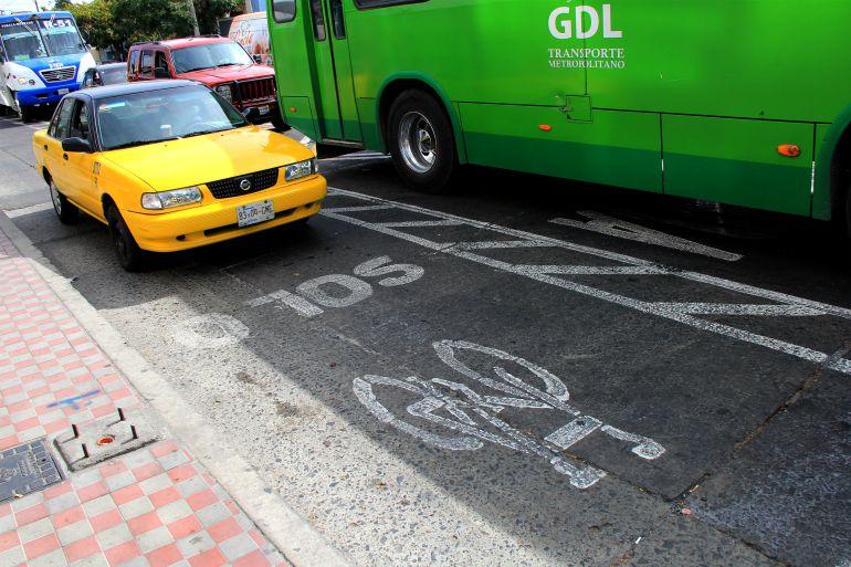 Entrevista sobre la nueva vía ciclista en centro de Gdl
