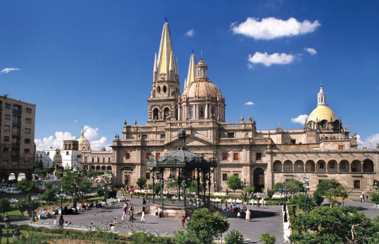 Guadalajara y Puerto Vallarta se consolidan como destinos turísticos en vacaciones decembrinas