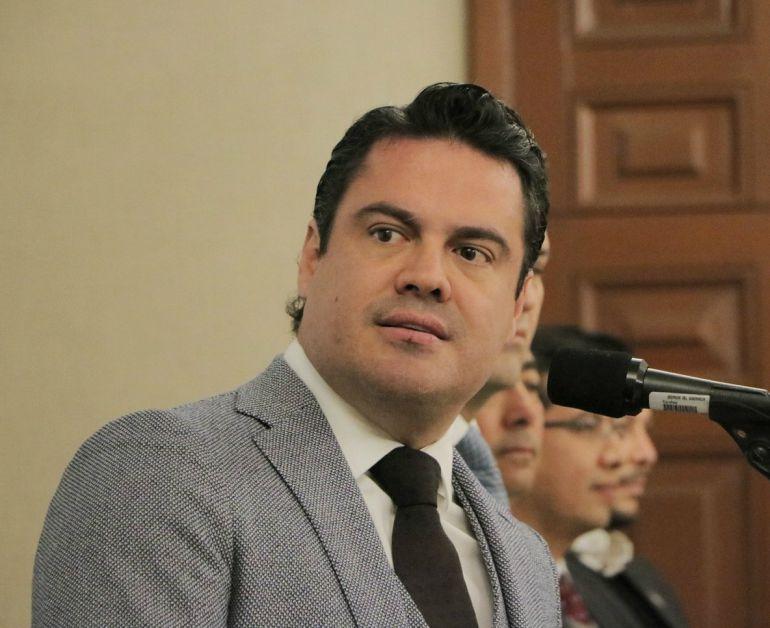 Gabriel Valencia presenta desistimiento de amparo que frena el nombramiento del fiscal anticorrupción