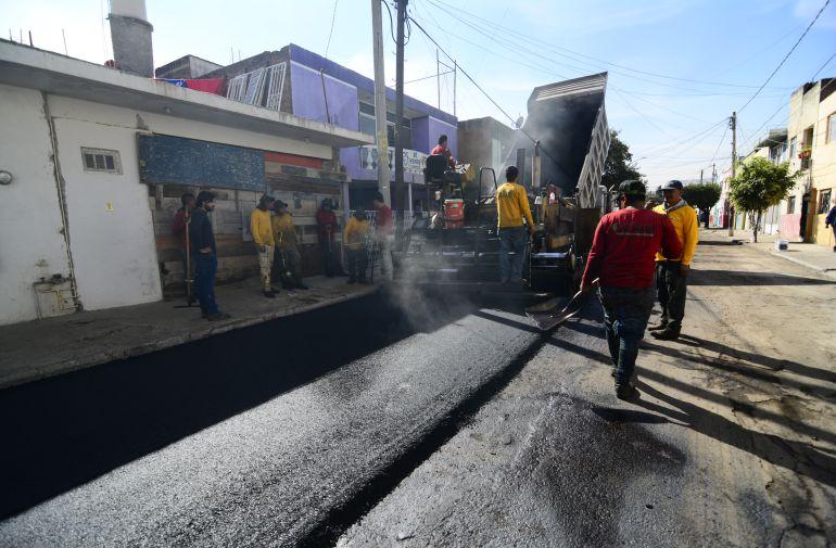 Entregan renovación asfáltica en Pensador Mexicano
