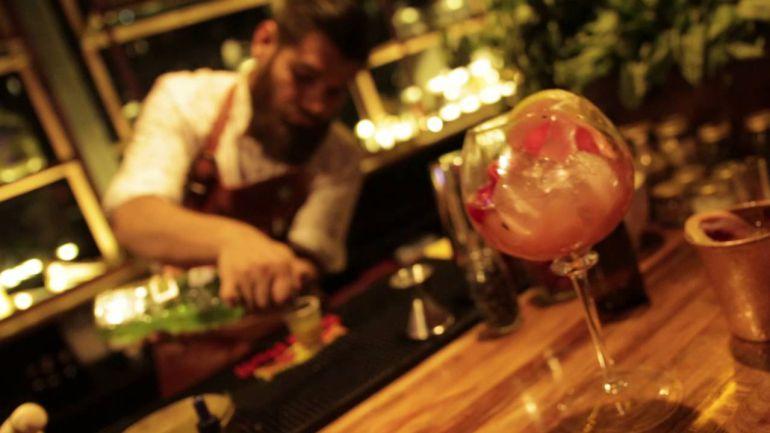 Socializarán reglamento de venta de alcohol y cierre de bares