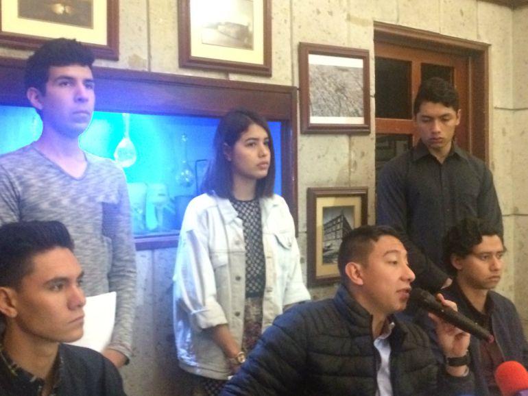 Aceptan estudiantes de CUCBA pagar su pasaje en efectivo