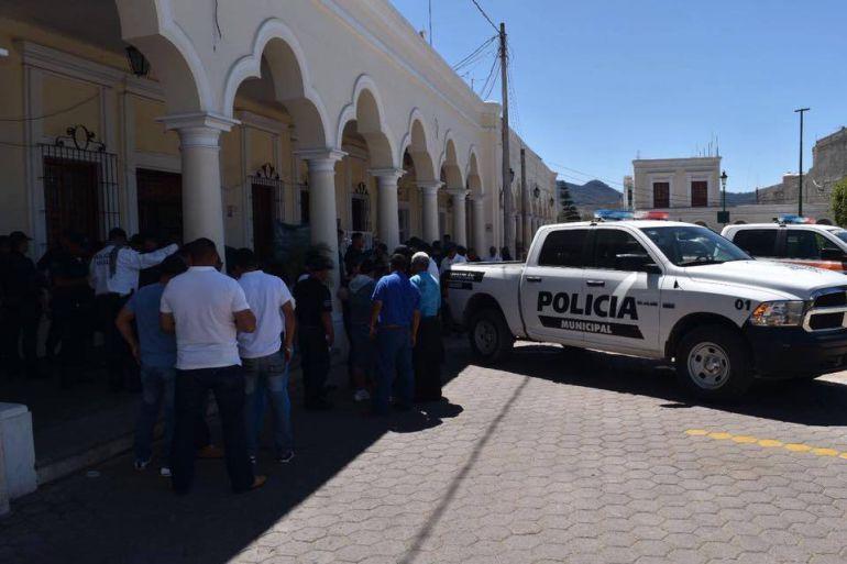 Desarman a la Policía de Tecalitlán