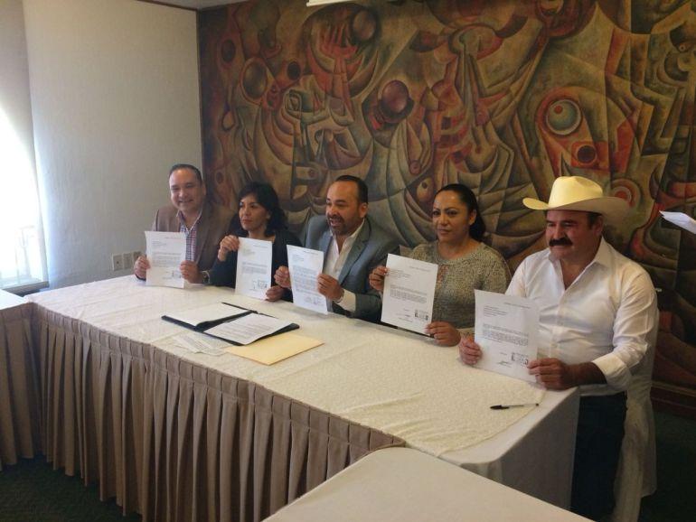 Renuncia al PRI el alcalde de Tonalá