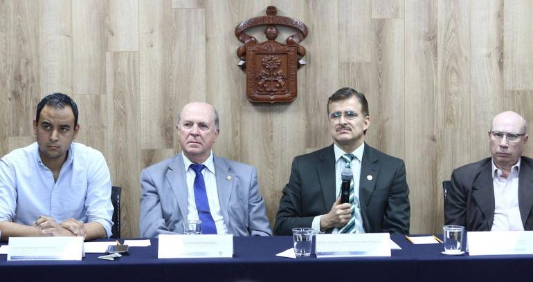 Que el Estado tome el transporte público, pide el Rector de la UdeG