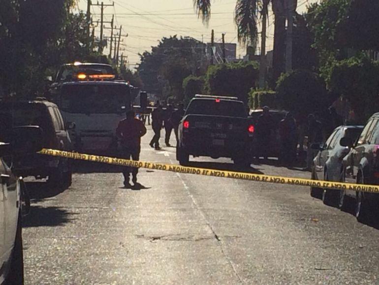 Encuentran camioneta con seis cuerpos en Guadalajara