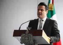 Gobernador pide a los jóvenes no caer en la 'puerta fácil' de la delincuencia