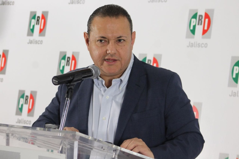 Alcalde de El Salto presiona a trabajadores para que renuncien al PRI: Pizano