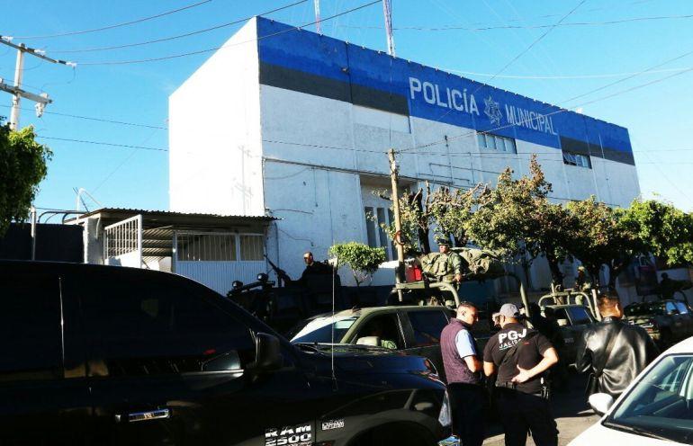 Fiscalía desarma policía de Tlaquepaque