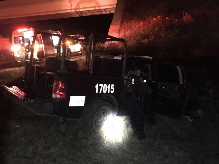 Choque entre patrulla y un camión dejó 4 lesionados