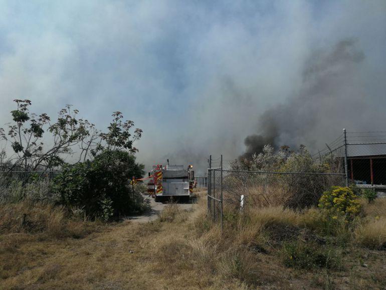 Sofocan incendió cerca del estadio de Las Chivas