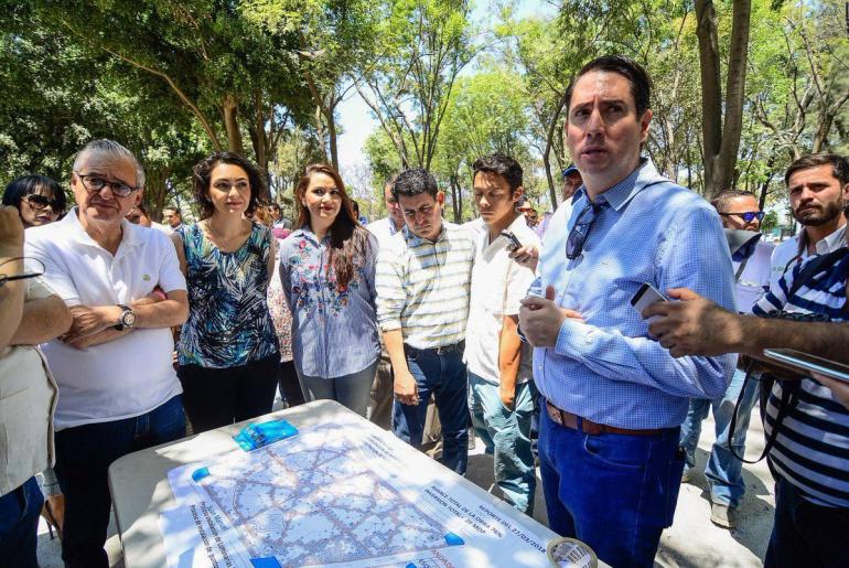 Vecinos confrontan al alcalde de Guadalajara por obras en el Parque Morelos