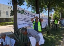 Ejidatarios de El Zapote se manifiestan fuera de Casa Jalisco