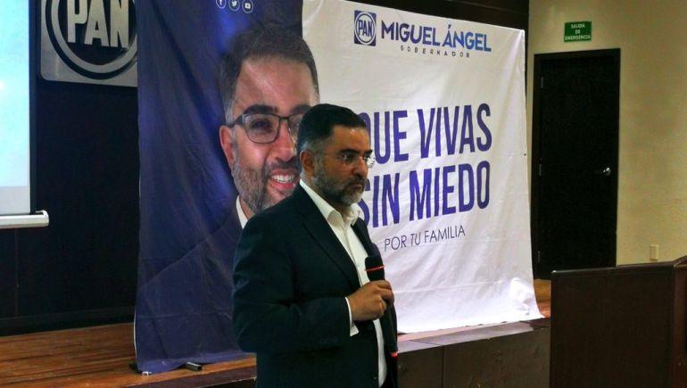 Miguel Martínez presenta su proyecto de seguridad