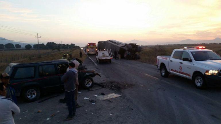 Mueren dos personas en accidenten en Amacueca