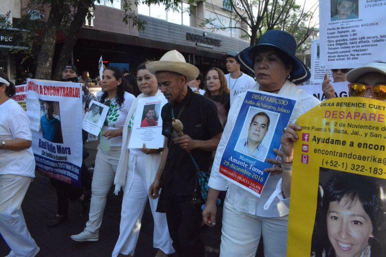 Rubén Albarrán se une a la manifestación por los desaparecidos de Jalisco