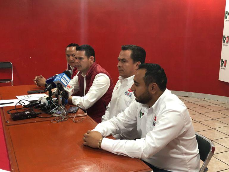 Equipo de Meade se reúne con jóvenes en Jalisco