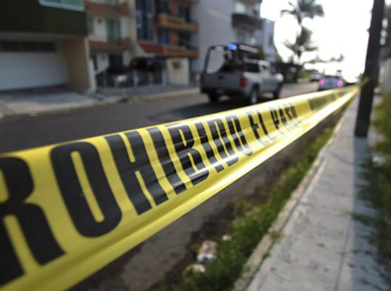 Dos policías fueron agredidos a balazos
