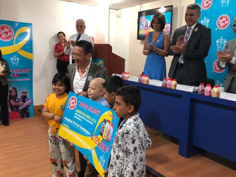 Sello Rojo dona más de medio millón de pesos a los HCG
