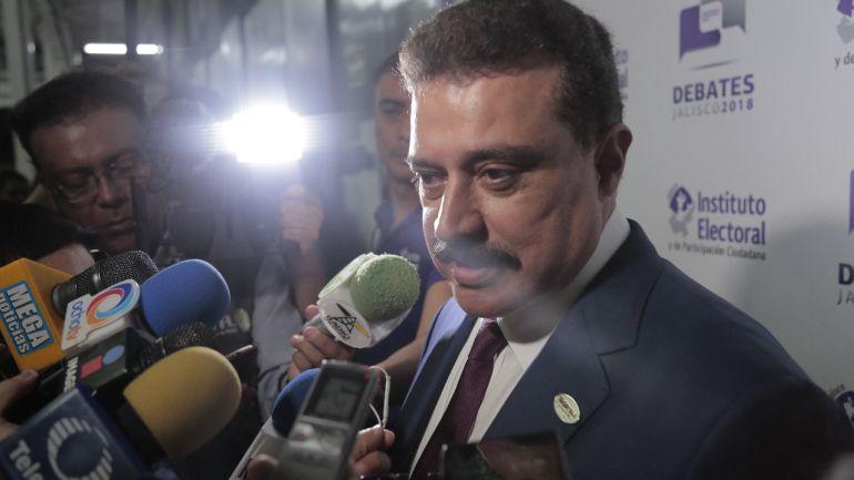 Triangulación de recursos del IPEJAL financia campaña de Lomelí: Salvador Caro