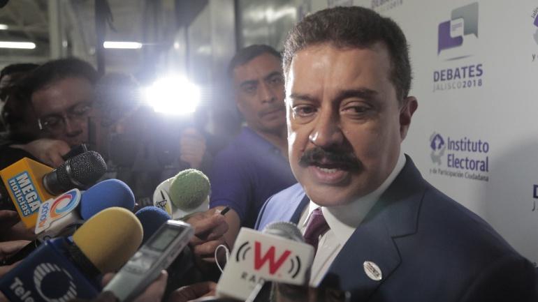 Promete Carlos Lomelí relanzar a Puerto Vallarta para más inversiones y cruceros