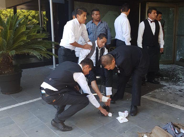 Dan de alta a dos pacientes lesionado por los atentados contra Carlos Nájera