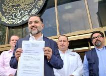 Miguel Ángel Martínez presenta denuncia contra Carlos Lomelí