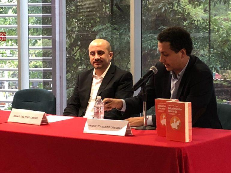 Ismael Del Toro presentó libro sobre su proceso en la política