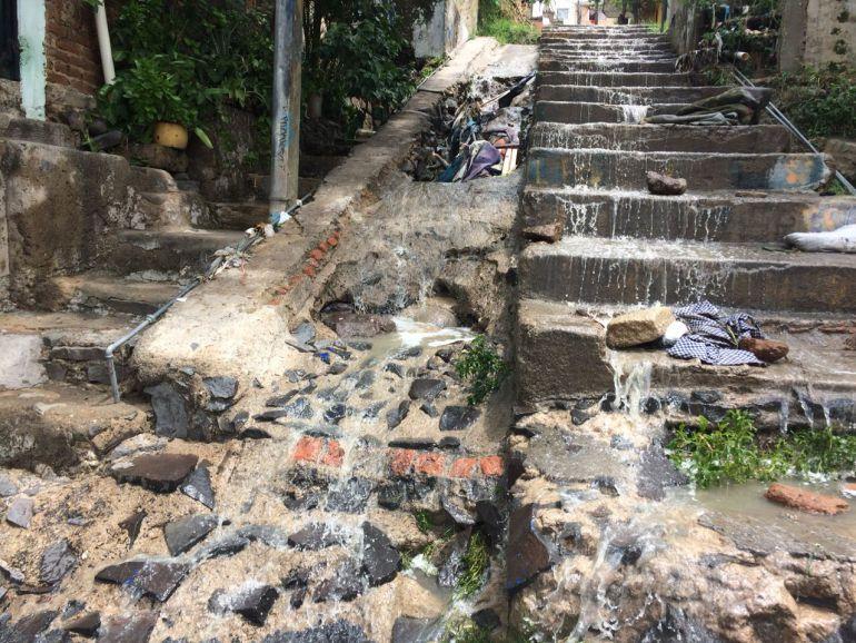 Continúan las labores de limpieza tras la lluvia del domingo