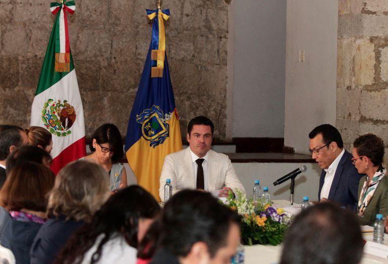 """Mi gobierno ha """"trabajado de forma responsable"""" por las mujeres: Aristóteles Sandoval"""