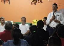 Maestro promete regularizar la venta de comida chatarra en las escuelas