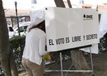 Personal del IEPC revisa que boletas electorales hayan llegado sin daños