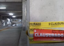 Mantendrán estacionamiento de Plaza Patria clausurado hasta que pague los daños