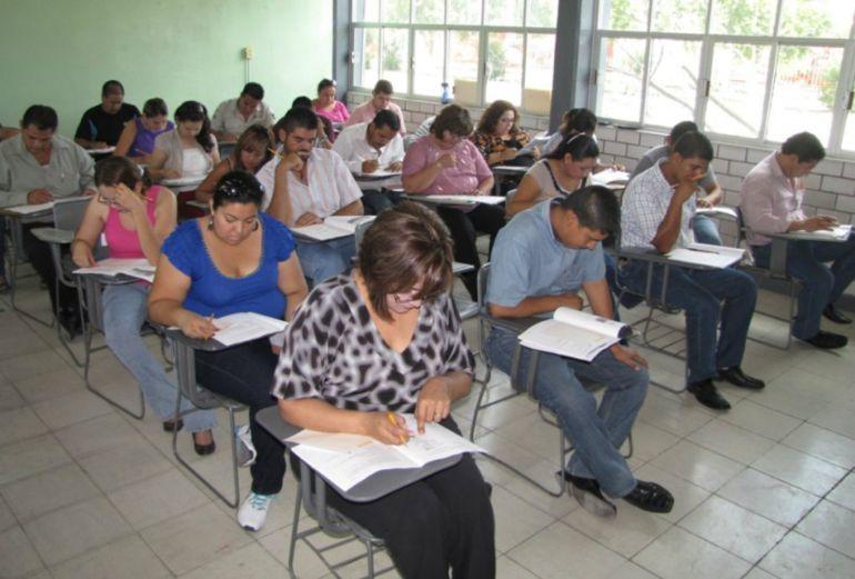 Aún hay casi 200 vacantes para maestros en la SEJ