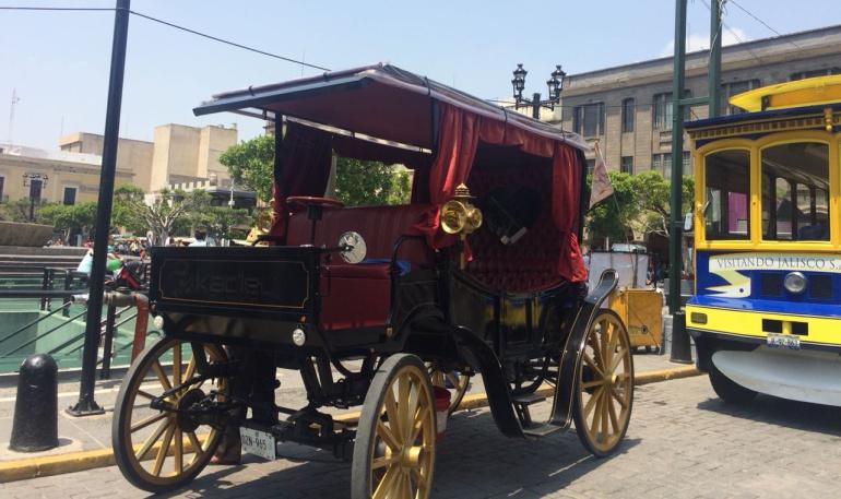 Calandrieros no han resentido la llegada de carruajes eléctricos