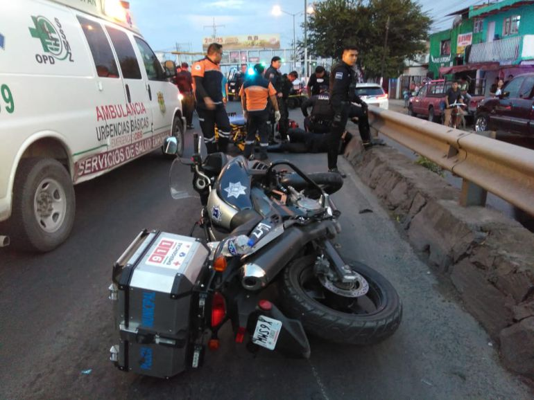 Al intentar huir, ladrón de automóvil atropella a dos policías