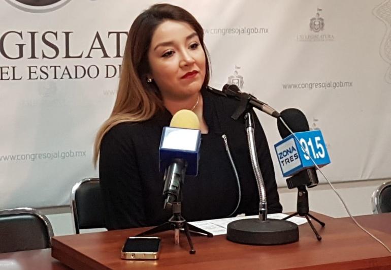 Diputada Anahí Olguín abandona la bancada del PRI