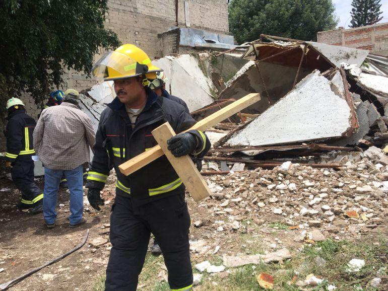 Derrumbe de edificio deja una persona muerta en Zapopan