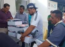 Zapopan entrega uniformes a trabajadores de aseo público