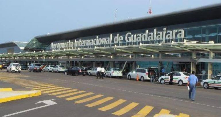 Decomisan 6 kilos de metanfetamina en el aeropuerto for Puerta 6 aeropuerto ciudad mexico