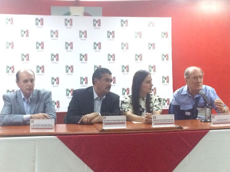 PRI Jalisco entrega constancias a regidores electos