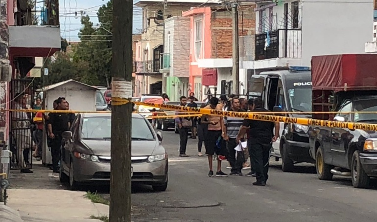 Asesinan a un hombre en una cafetería de Zapopan y una mujer en Tlaquepaque