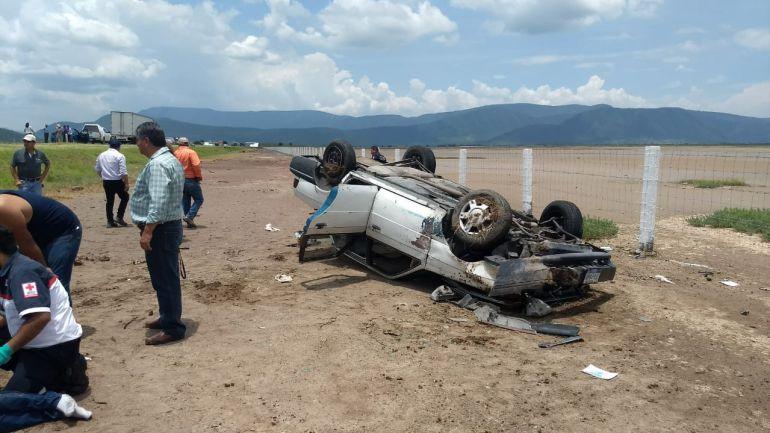 Volcadura en Zacoalco de Torres deja una persona fallecida