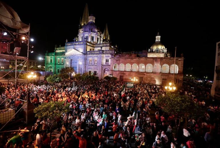 Arranca remodelación de la Plaza de Armas, de cara al 15 de septiembre