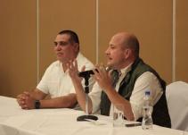 Reaparece Enrique Alfaro tras cirugía