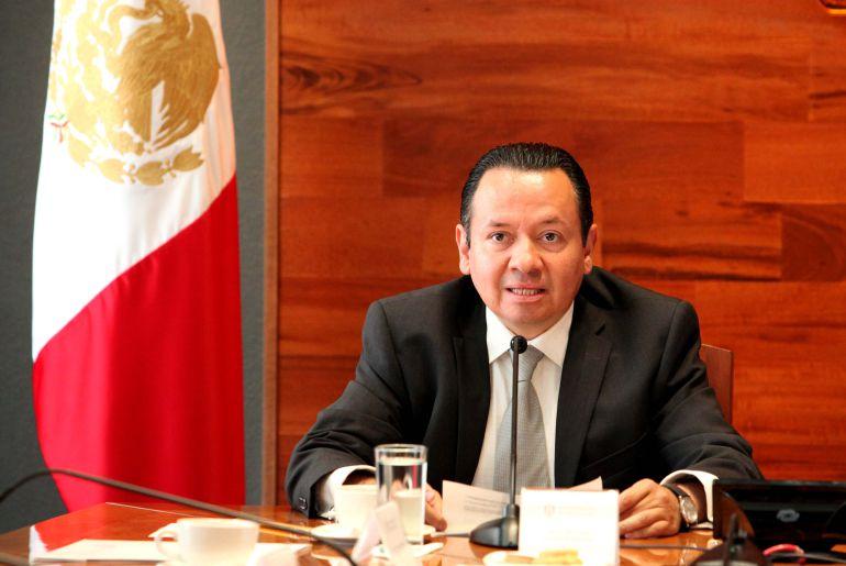 Pedro Carvajal se ampara y no acude a comparecer
