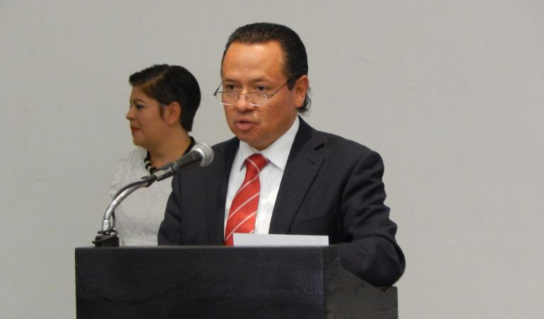 Buscarán que Pedro Carvajal pida licencia mientras es investigado